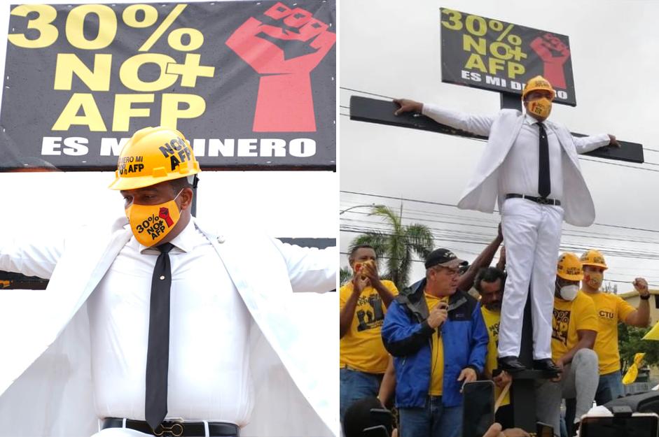 """Pedro Botello se """"crucifica"""" frente al Congreso"""